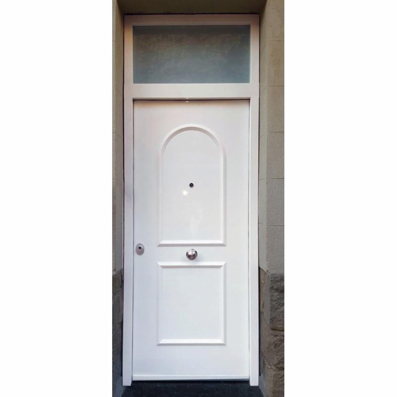 Puertas instaladas casas unifamiliares for Puerta entrada vivienda